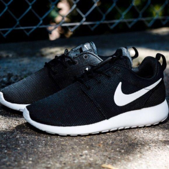 Nike Chaussures Taille 10 Femmes En Euros vente 100% garanti dédouanement livraison rapide 2015 nouvelle ligne 6oWWNi