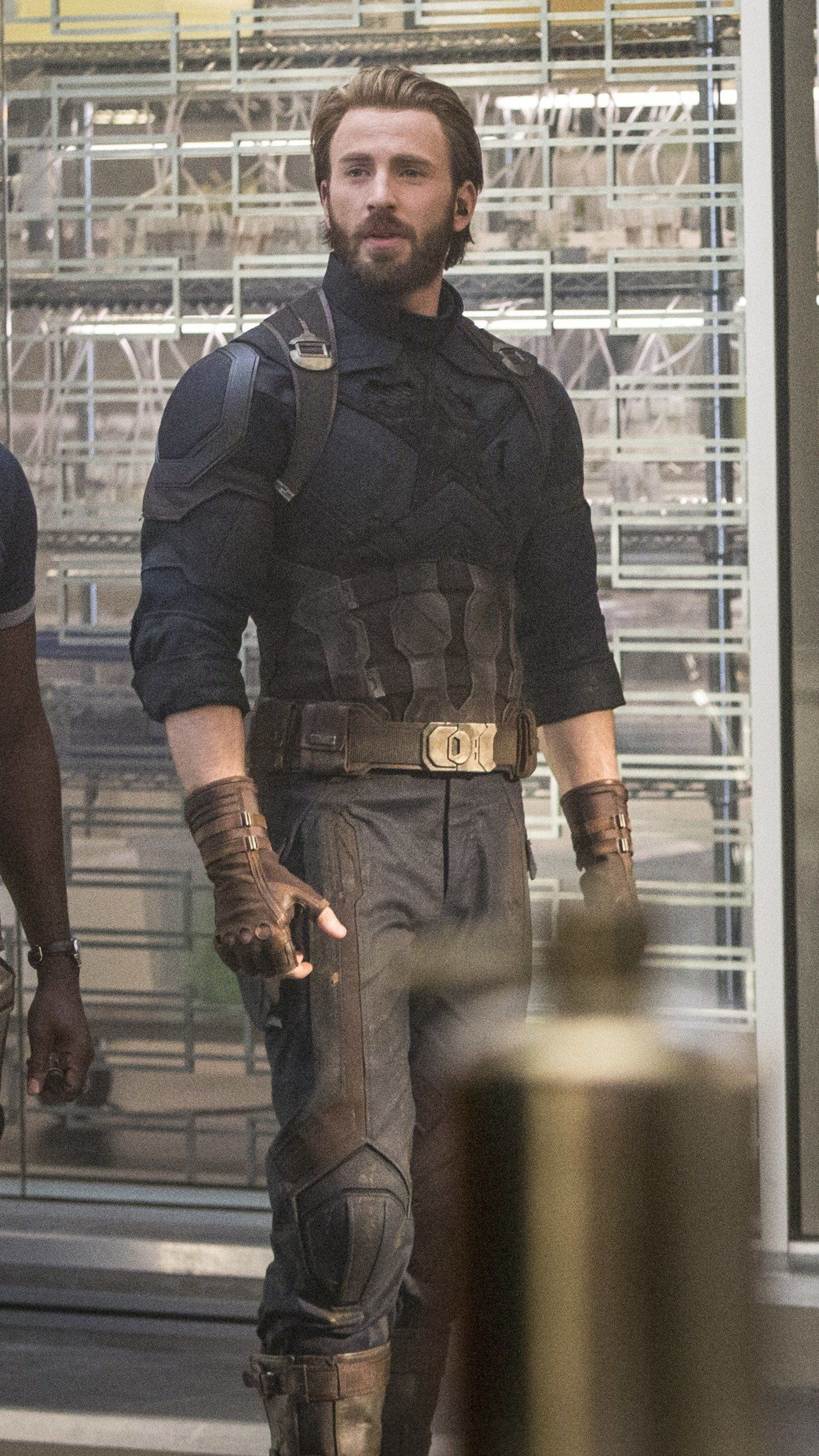 Captain Black Widow Rhode Avengers Infinity War 2018 Hd Movies Wallpapers Photos And Pictures Chris Evans Chris Evans Captain America Chris Evans Shirtless