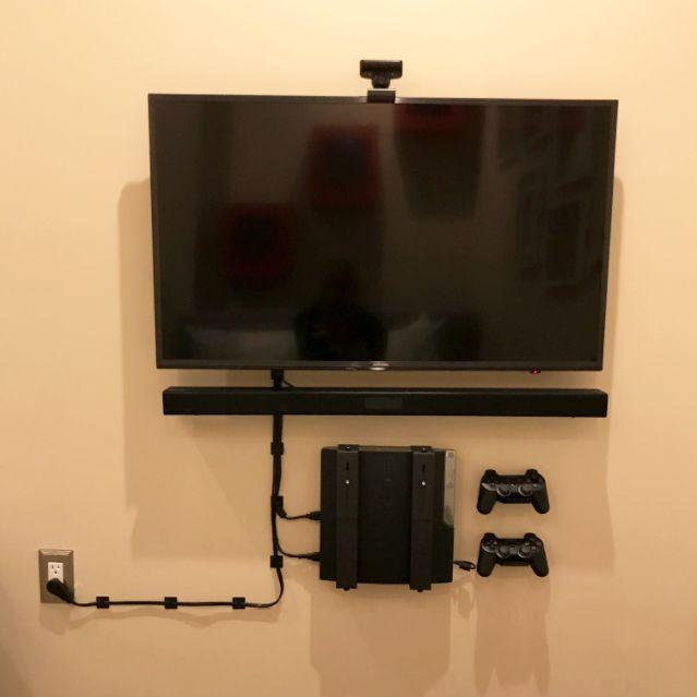 Adjustable Playstation 4 X2f Ps3 Wall Mount Description Features Specifications Prefer Our Non Adjustable Ps4 M Esconder Fios Ideias De Decoracao Casas
