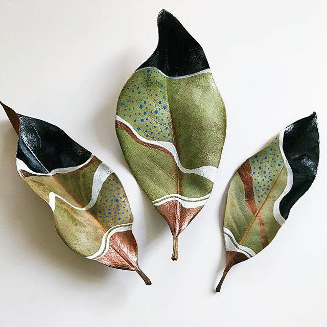 Pin by Andrea Nagy on ŐSZ Magnolia leaves, Painted