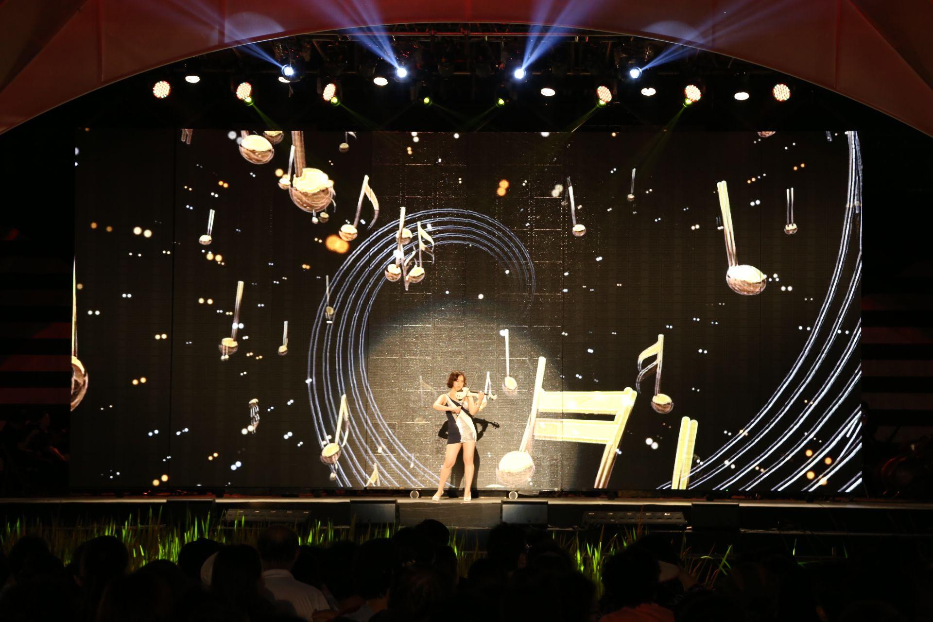 DMZ 평화콘서트 -김수정 메조소프라노(DMZ Peace Concert - Kim soojung mezzo-soprano)출연  2014년 8월15일 광복절에 임진각 평화누리 음악의 언덕에서 한국입양어린이 합창단장이신 메조소프라노 김수정님과 한국입양어린이합창단이 출연. .. 또한 제가 잘아는 쟈스민도 출연하고요,,,그 오페라 신데렐라 - 메조소프라노 김수정(Opera La Cenerentola-MezzoSprano Kim Soo-Jung) http://www.youtube.com/watch?v=F2weY1OLvh8   전자바이올린의 자스민님^ http://www.youtube.com/watch?v=nSQ0DG4x_tM  장소 임진각 평화누리 음악의 언덕 http://en.ggtour.or.kr/?lang=manual   free app. sasang diagnosis program. http://www.iwooridul.com/app-update