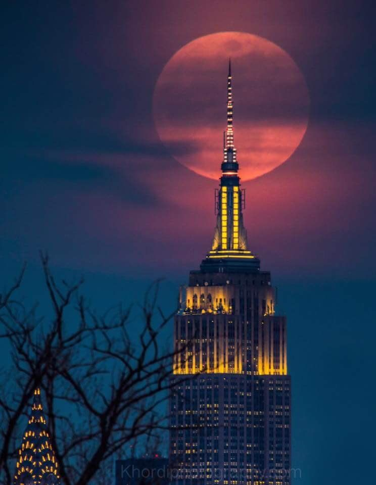 Full Moon Seen Friday From New York City Ny New York City Photos Empire State Building Empire State