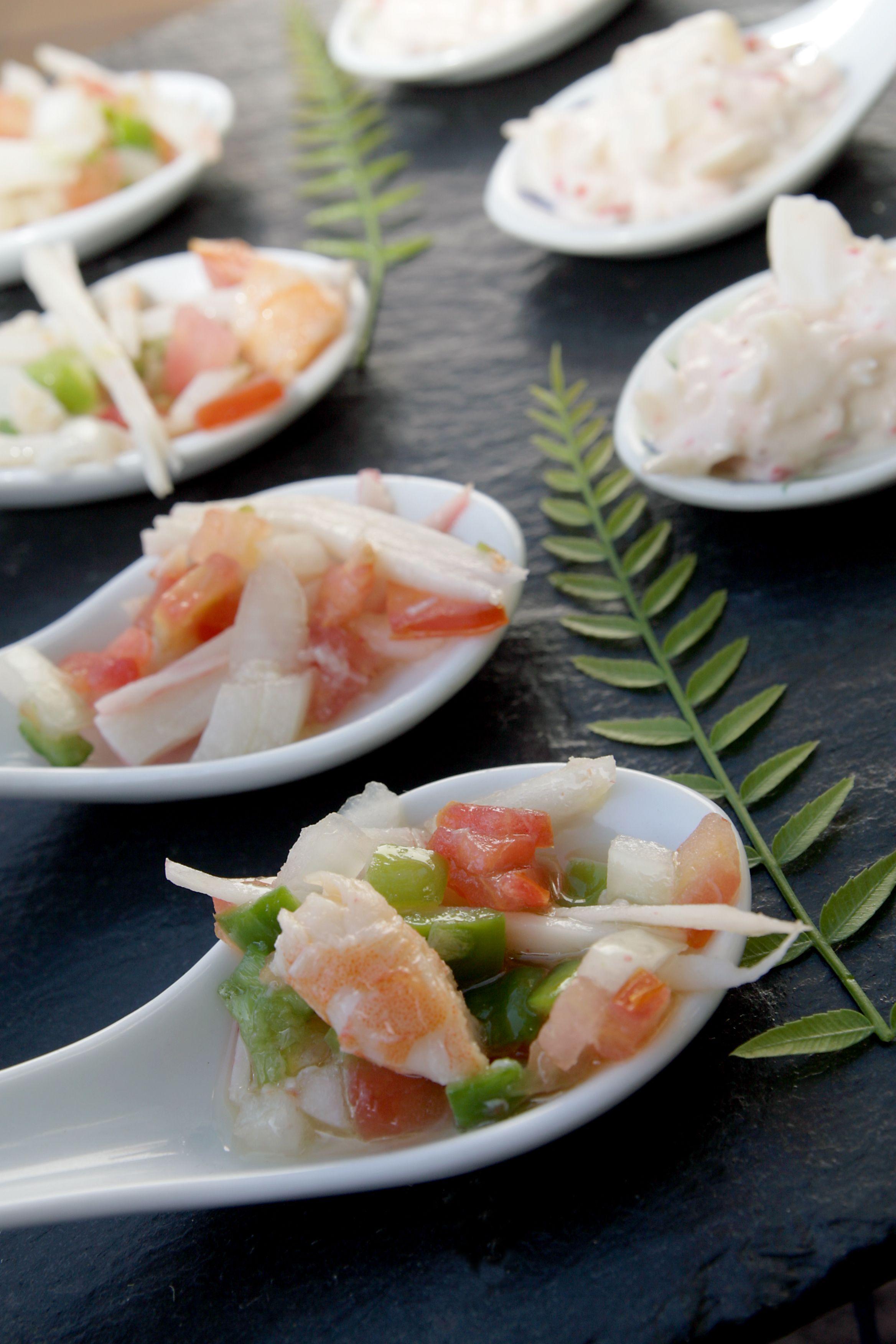 Cuchara de salpicón de marisco #boda #weddings #eventos #food #cherry #cheese #queso #celebration #http://victoriahidalgocatering.com/