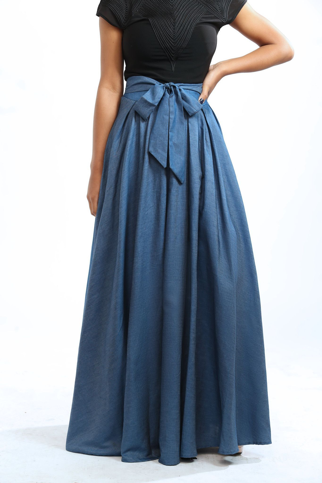 e835a11536d69 This is a beautiful lightweight maxi denim skirt with attached petticoat.  It has a slight
