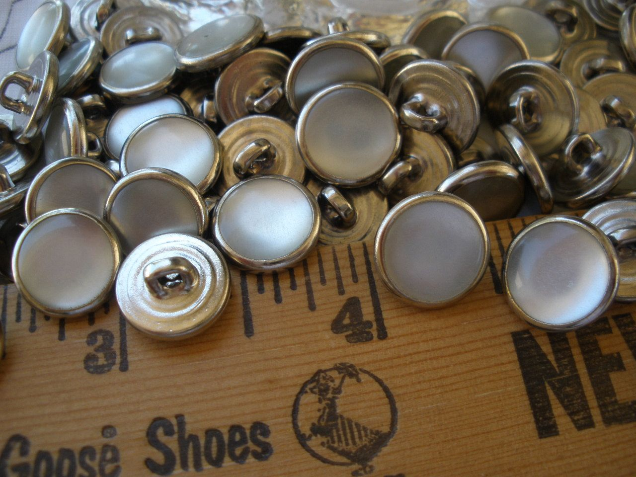 Bulk buttons for crafts - Bulk 11mm Western Shirt Buttons White Pearl Snap Nickel Shank 7 16 Metal 18l Poly Nickel Pearly Inset Sewing Crafts Cowboy 24 Buttons