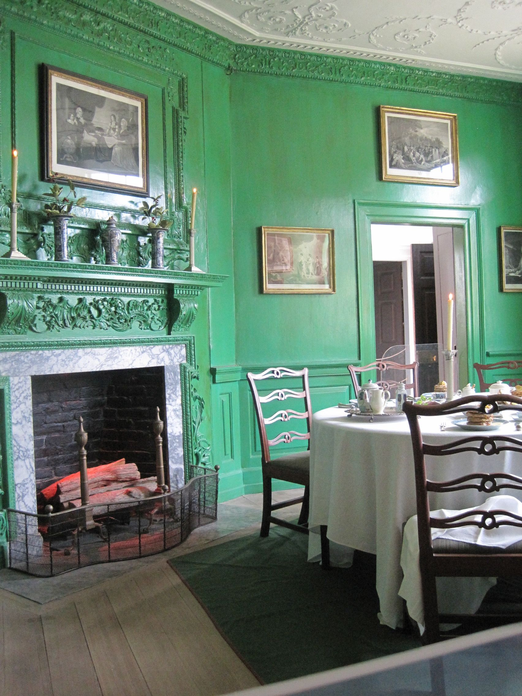 Martha Washington S Dining Room I Vow To Make A Room In My House This Color Monochromatic Room Home Historic Homes