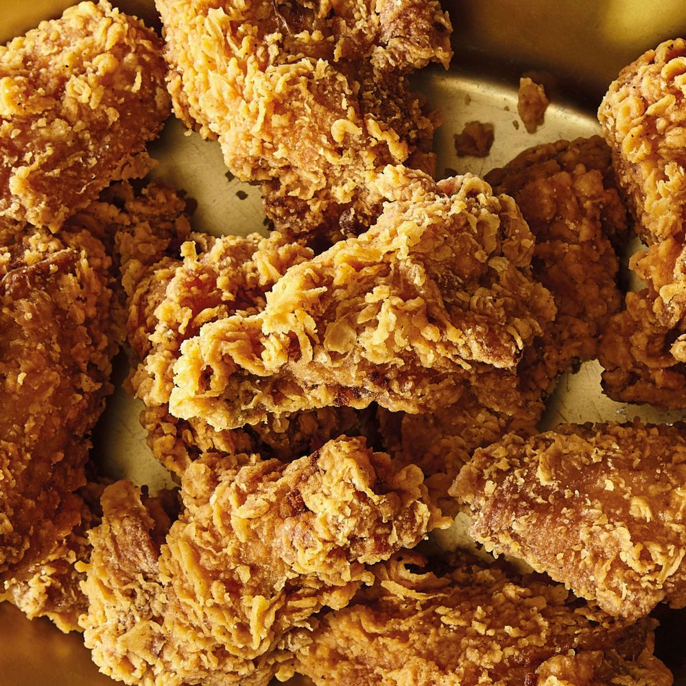 Crispy Fried Chicken Wings One Of The Best Recipes Out There Super Crispy Outside Su Deep Fried Chicken Wings Fried Chicken Wings Chicken Wing Recipes Fried