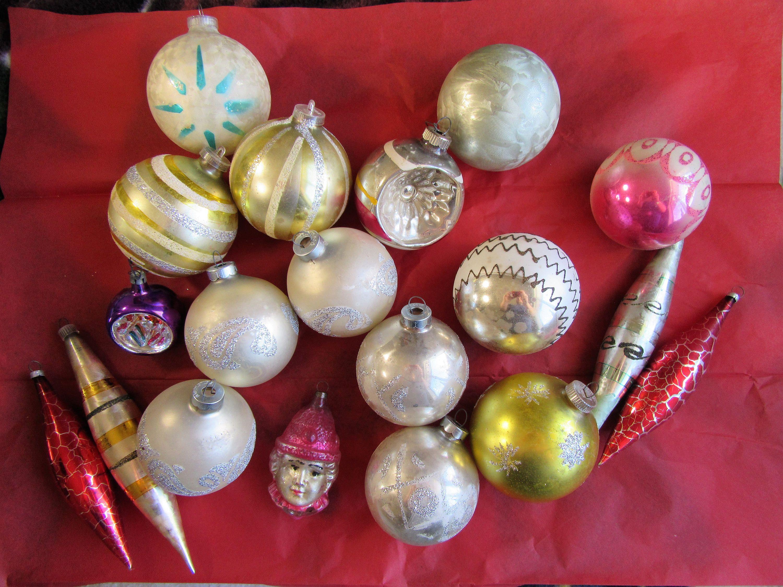 Vintage Ornament Lot 43 Christmas Ornaments Christmas Bulbs Etsy Christmas Bulbs Vintage Ornaments Christmas Ornaments