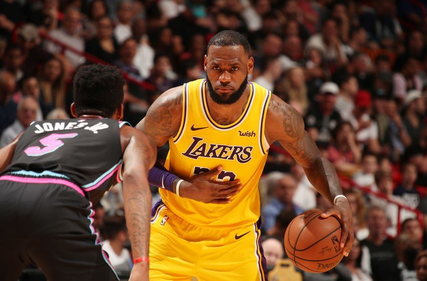 Los Angeles Lakers Lebron James Makes Miami Feel The Heat Three Lessons Nba Lakeshow Heatculture Nba Live Basketball News Lakers Vs