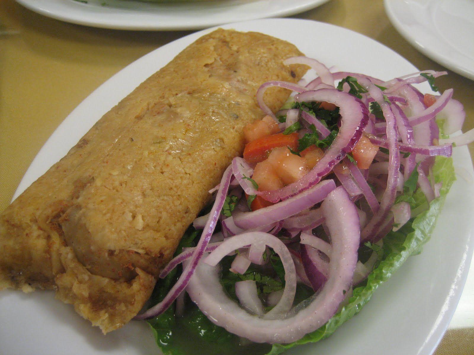 Tamal Peruano Con Pan Y Una Porcion De Chicharron Por