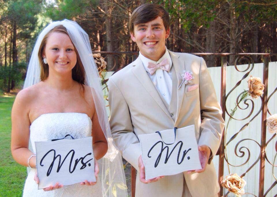 Engagement / wedding photos photography
