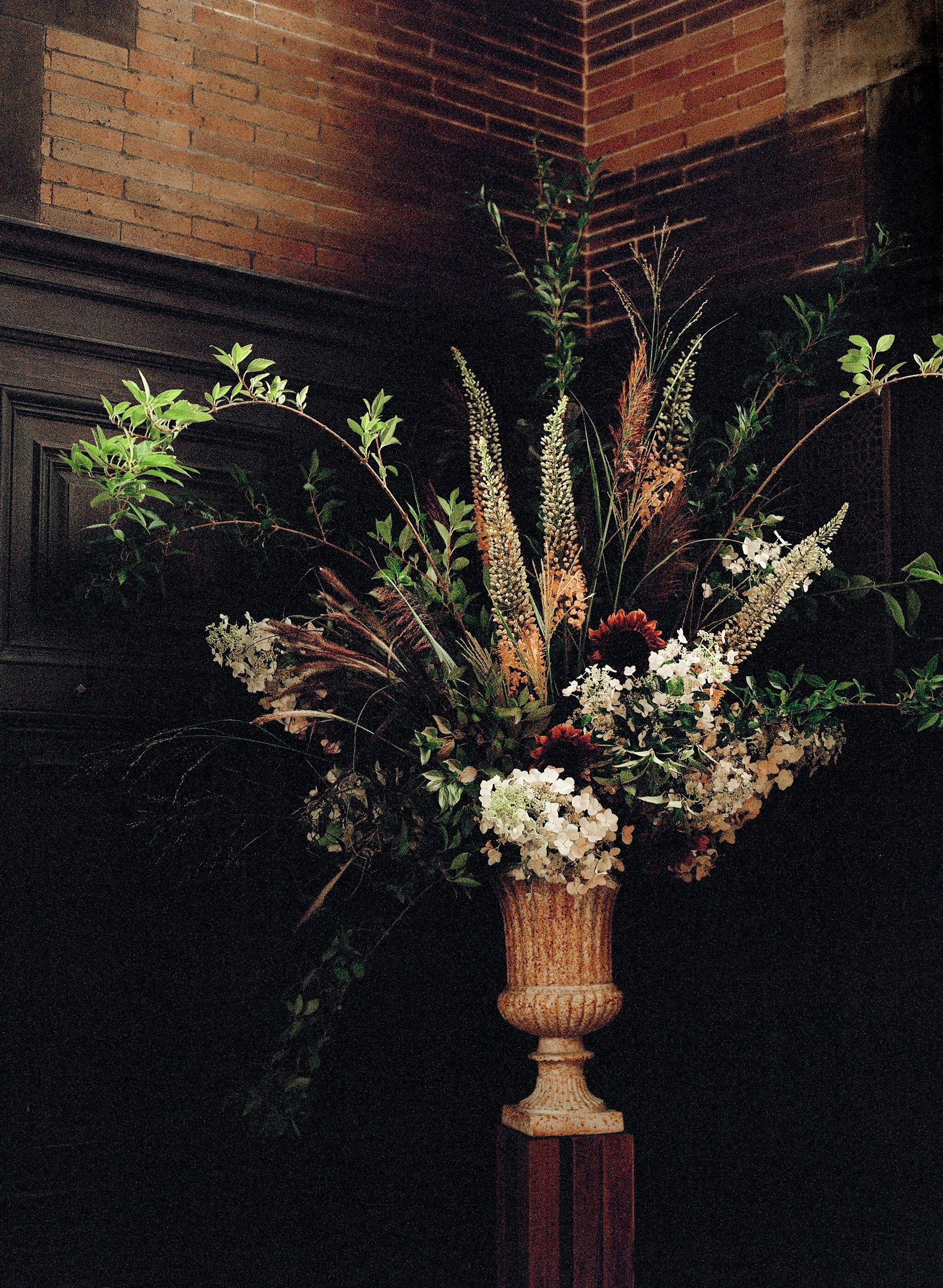 An Old World New York City Wedding In Chelsea Florists Weddings