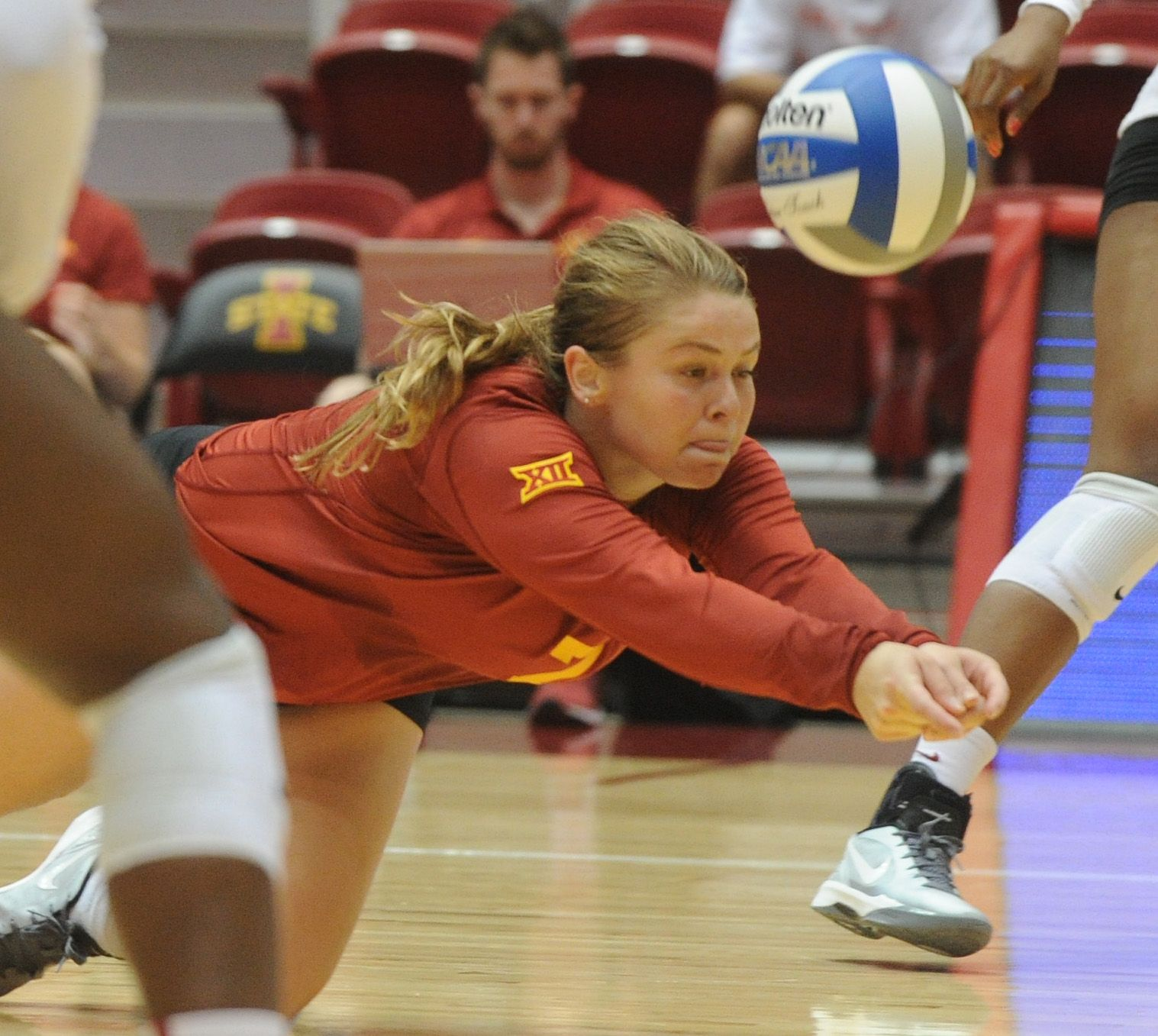 Iowa State Libero Caitlin Nolan Dives For The Volleyball During The Cardinal Vs Gold Scrimmage On Saturday Photo By Nirma Iowa State Cyclones Iowa State Iowa