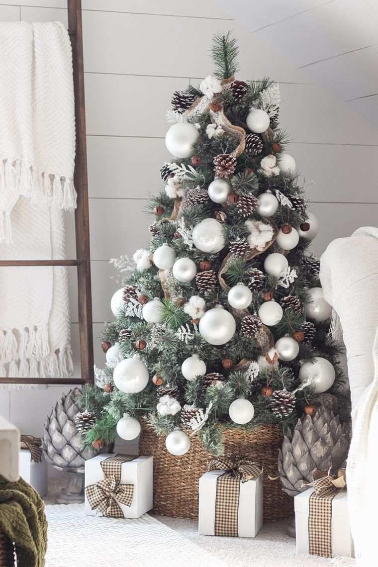 Ambiance Noel Avec Decoration Naturelle Pour La Maison Decoration Noel Deco Noel Deco Noel Sapin