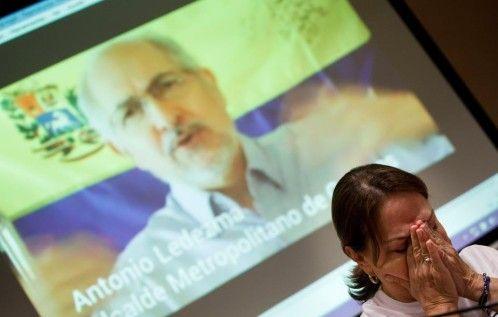 Antonio Ledezma ha regresado a su vivienda para continuar en arresto domiciliario, según ha informado su esposa Mitzy Capriles. Mitzy Capriles esposa de Ledezma Reuters Antonio Ledezma, alcalde met…