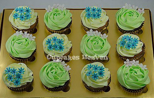 https://flic.kr/p/gbgrzm | green and yellow swirl with flower cupcakes – Jakarta, Indonesia | We are proud to serve Jakarta and surrounding area. bisa kirim Jakarta dan sekitarnya. email: yuli@cupcakesheaven.com www.cupcakesheaven.com www.facebook.com/cupcakesheaven Call/whatsapp/Line 08128127970 (please no SMS/text) Twitter @cupcakesheaven