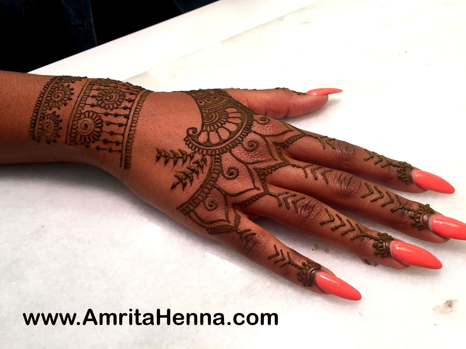Best Rihanna Tattoo Henna Design Most Popular Mehndi Design Inspired By Rihanna Tattoo Henna Desi Tribal Hand Tattoos Henna Tattoo Hand Rihanna Hand Tattoo