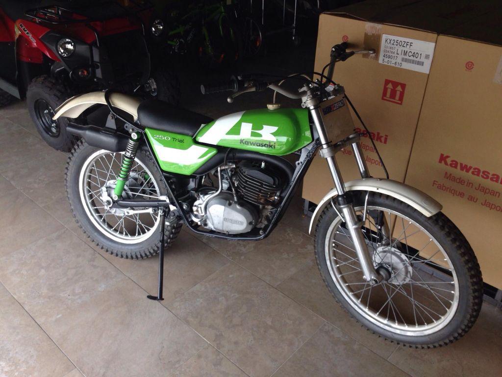 Kawasaki KT 250 2t Trial Bike, Motos Trial, Kawasaki Motorcycles, Cars And  Motorcycles