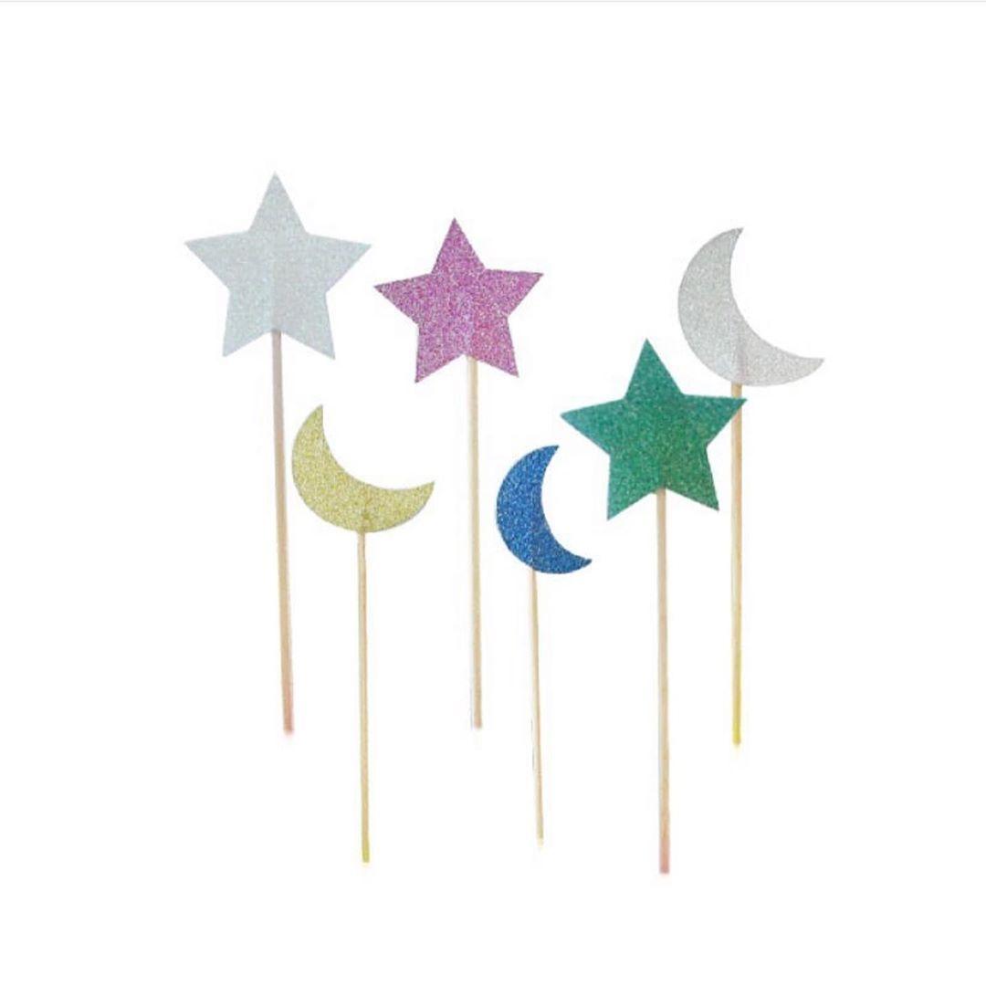أعواد على شكل نجوم وهلال ملونة لتزيين الكيك والكب كيك ١٢ قطعة ب ٩ ريال حفلة حفلات بالون بالونايزر بارتي بالون Baby Mobile Birthday