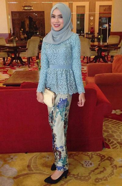 Photo of All Picture About Kebaya: 16 Model Kebaya Muslim Terbaru dan Populer di Kala…