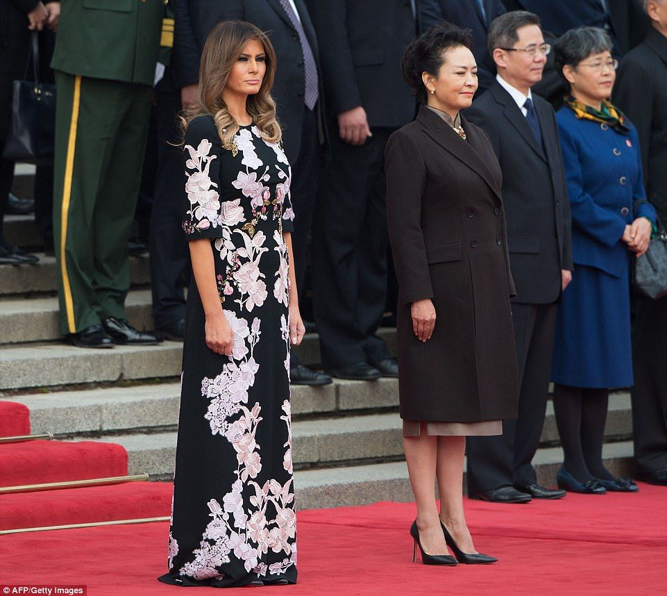 Melania Trump Wears An Ornate Fur Trimp Dress At Beijing State Dinner Trump Fashion European Outfit Political Fashion