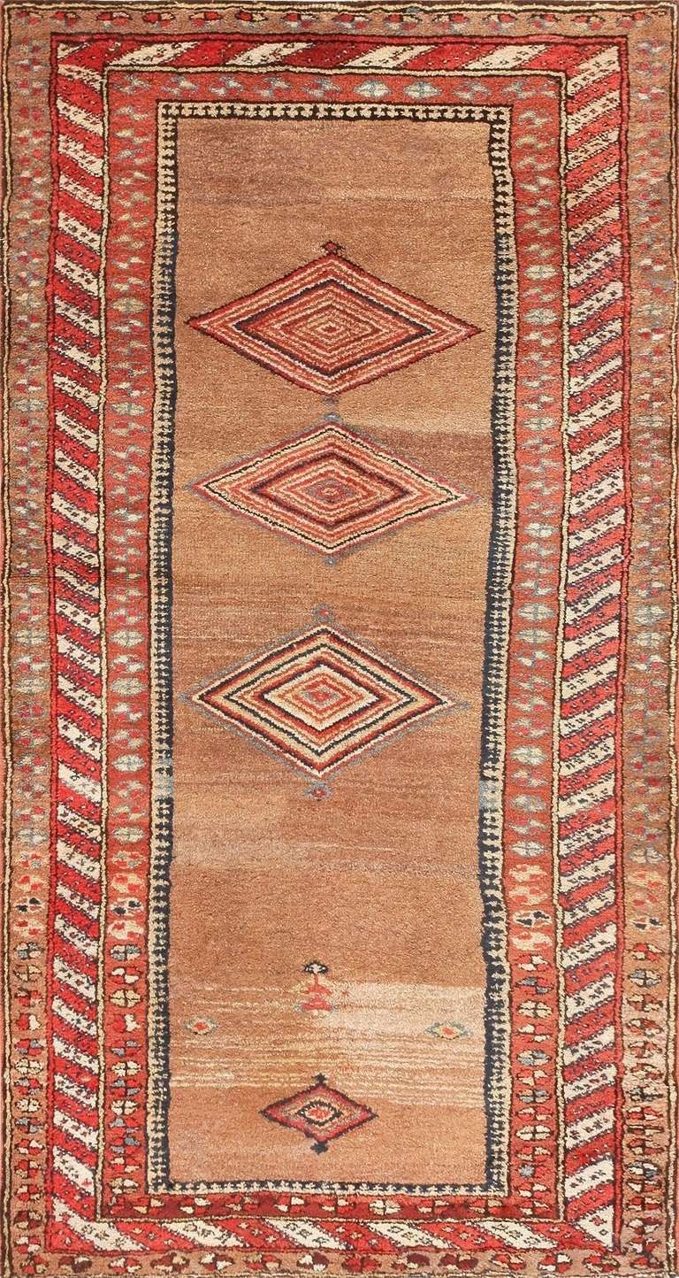 Antique Kurdish Rug Design Very Simple Using Harmonic Colors In A Very Flat Way Rugs Persian Rug Rugs On Carpet