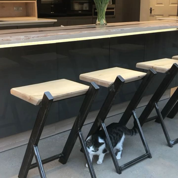 Reclaimed British hardwood matching breakfast bar, furniture boxes, stools, dining table & plinths. Rustic features enhanced with smoked resin.   www.earthytimber.com   #woodenbreakfastbar #liveedgebar #liveedgebreakfastbar #waneyedgebar #barstools #liveedgediningtable #waneyedgetable #houseextension #houserenovation #selfbuild @earthydesign @timberdeal @earthytecture