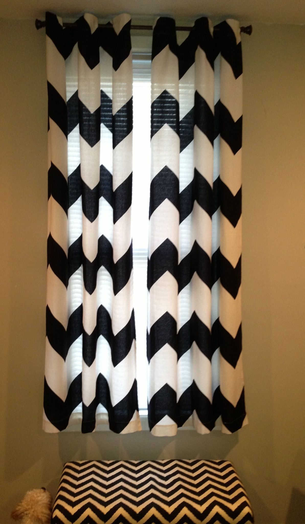 Black and white curtain - Diy Short Black White No Sew Chevron Curtains Made For My Dining Room From