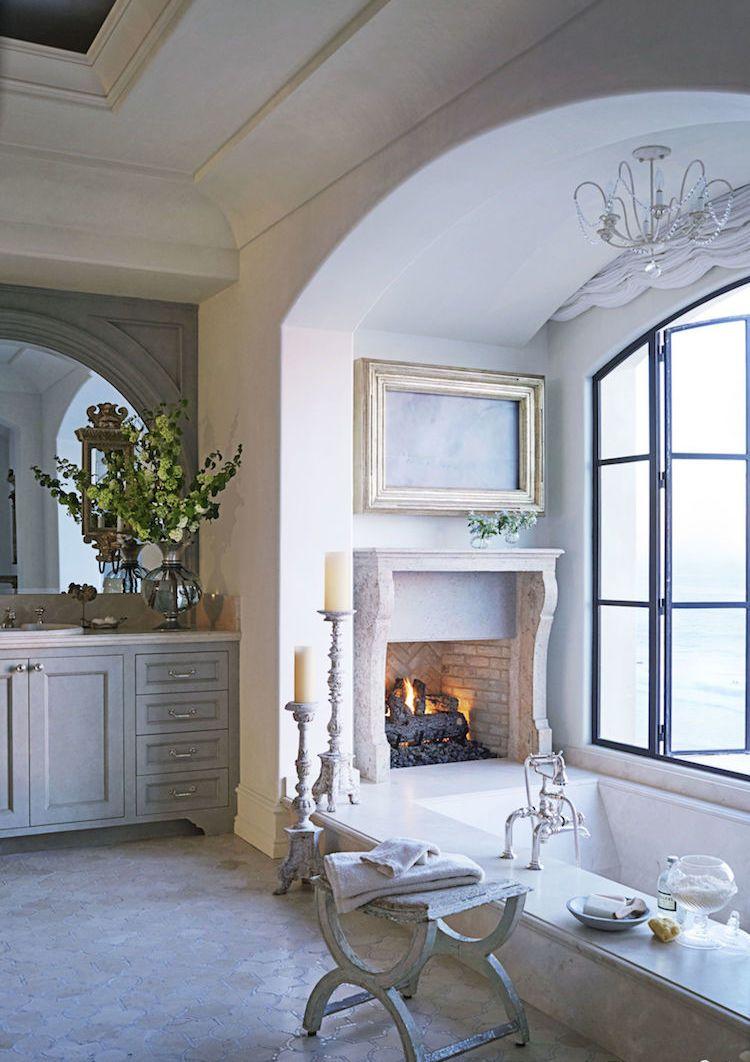 salle de bain campagne revisitée où le moderne et l'ancien se