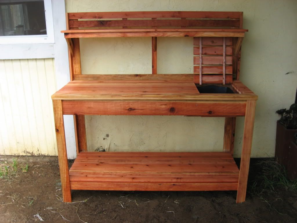 Redwood Potting Bench With Soil Tray