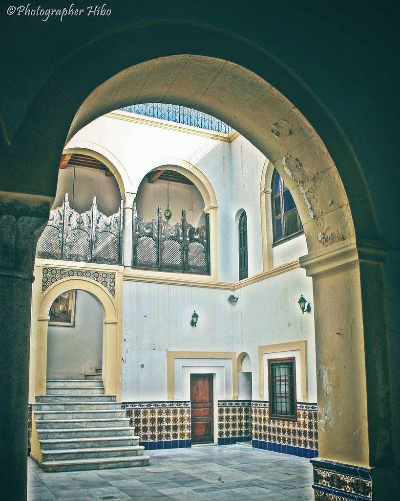 مدخل القنصلية الفرنسية سابقا دار الفقي حسن المدينة القديمة طرابلس ليبيا Photographerhibo Tripoli طرابلس طرابلسيات Lights S Old City City Taj Mahal