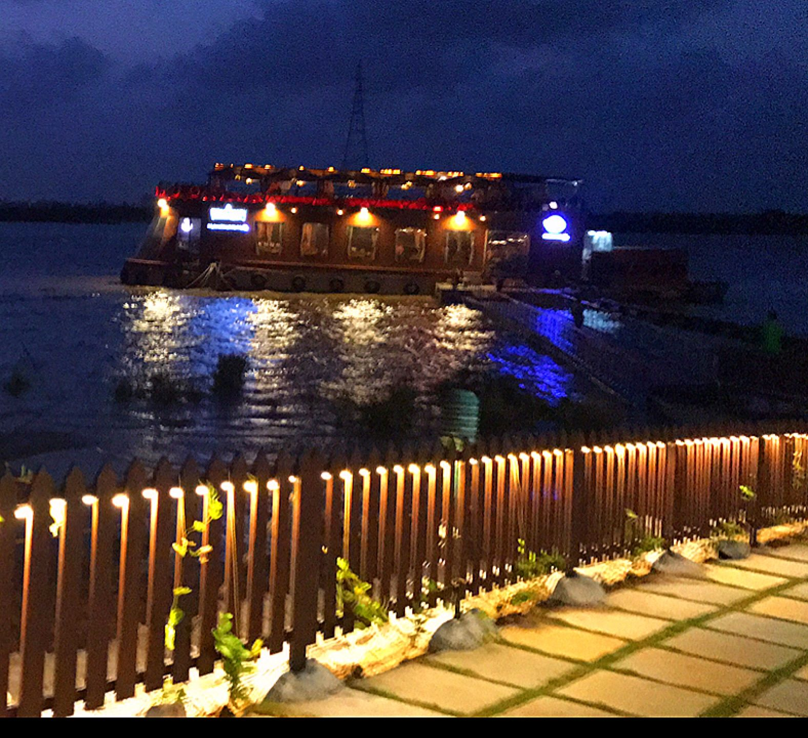 The Floating Restaurant Pirates Voyage First Ship Restaurant in Surat Gujarat semarang wisatasemarang semarangkota seputarsemarang pikniks…