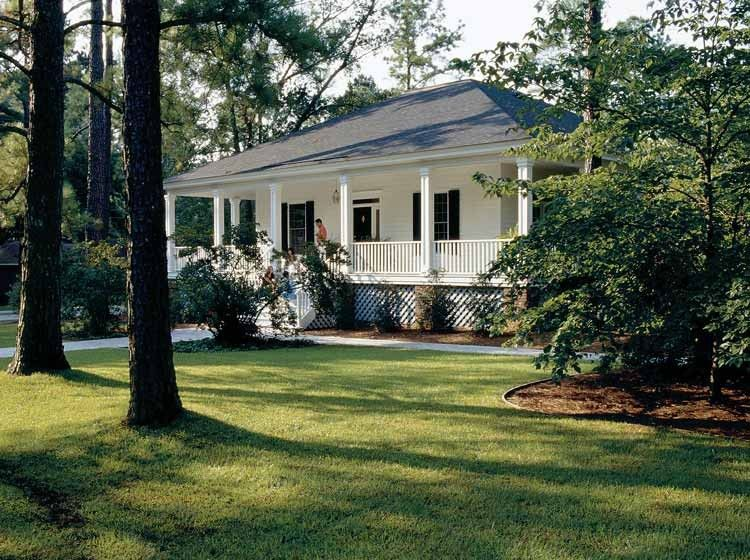 Eplans Low Country House Plan   Our Gulf Coast Cottage From The Southern  Living
