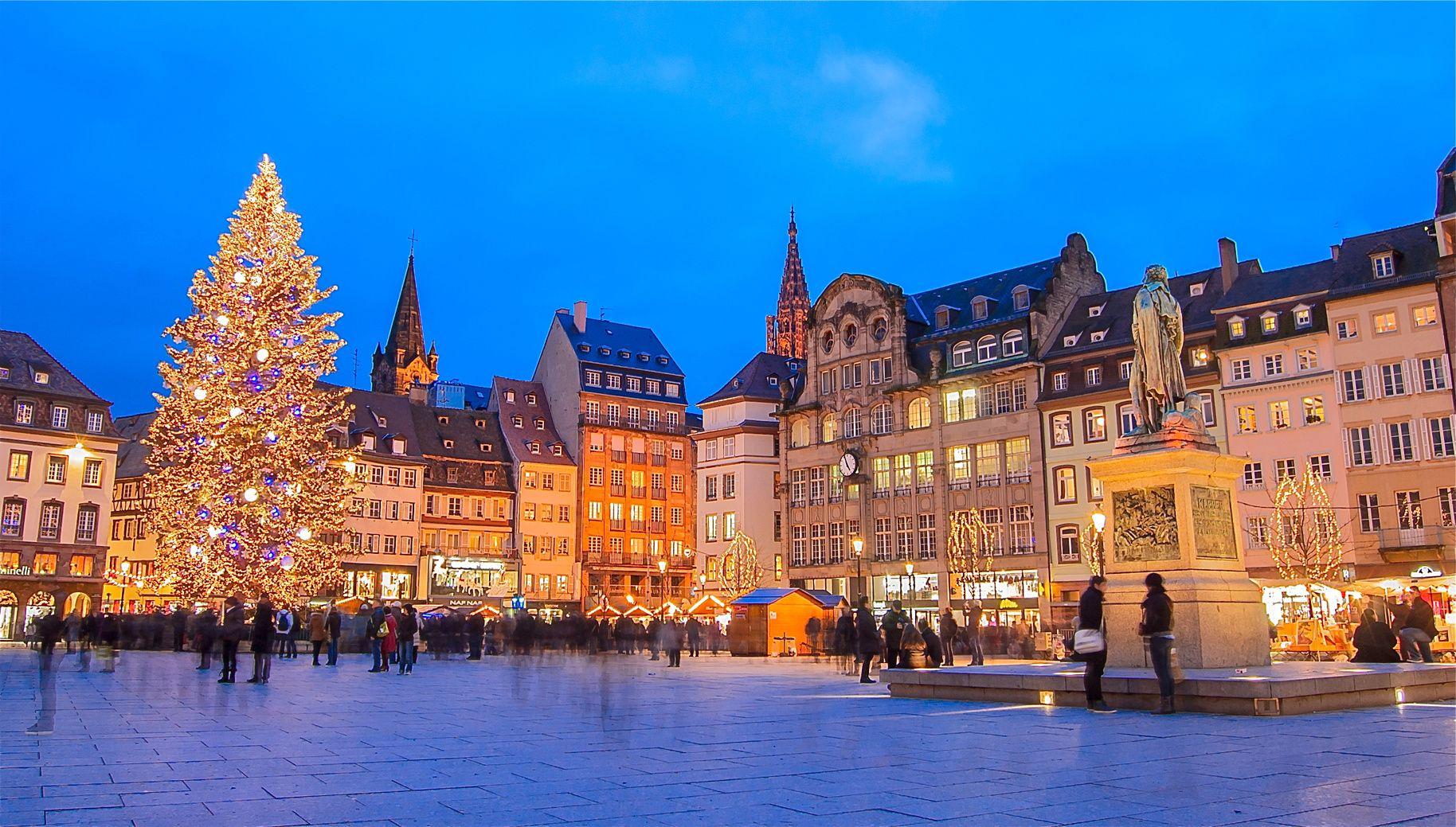 Los 10 Mercadillos De Navidad Más Bonitos De Europa Mercado De Navidad Mercados Navideños Viajes Navidad