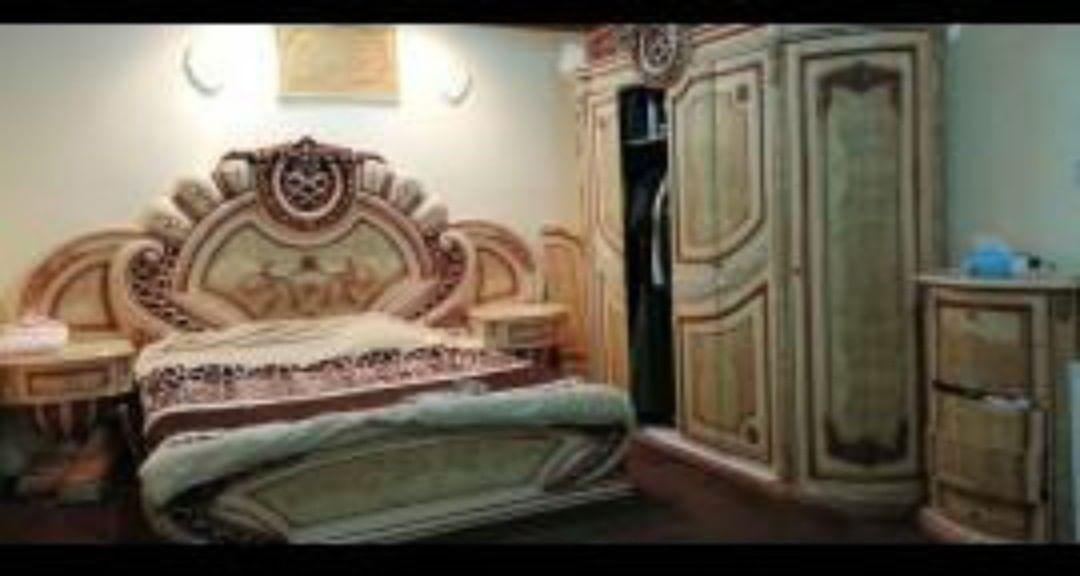 غرفة نوم ست قطع نظيفه للبيع Home Furniture Home Decor