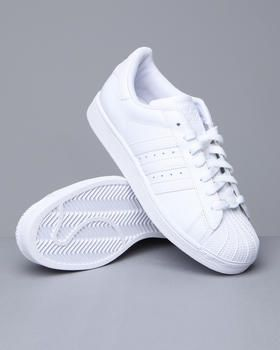 outlet store d8ef5 5be51 Classic white adidas   fresh to death!