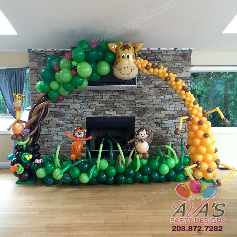 Giraffe balloon arch great balloon decor for jungle for Balloon decoration book