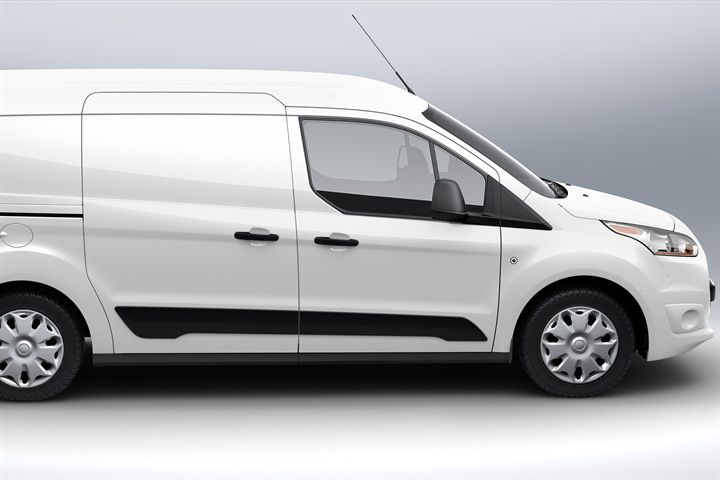 The All New Transit Connect Van Offers Two Engine Choices A 1 6l Ecoboost Engine And The Standard 2 5l Engine Automotive Fleet Magazi Van Ford Transit Ford