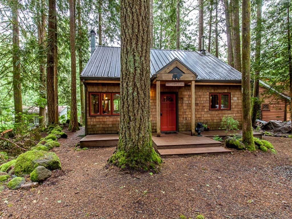 Fully Furnished Cabin Rental With Outdoor Hot Tub In Mount Hood National  Forest