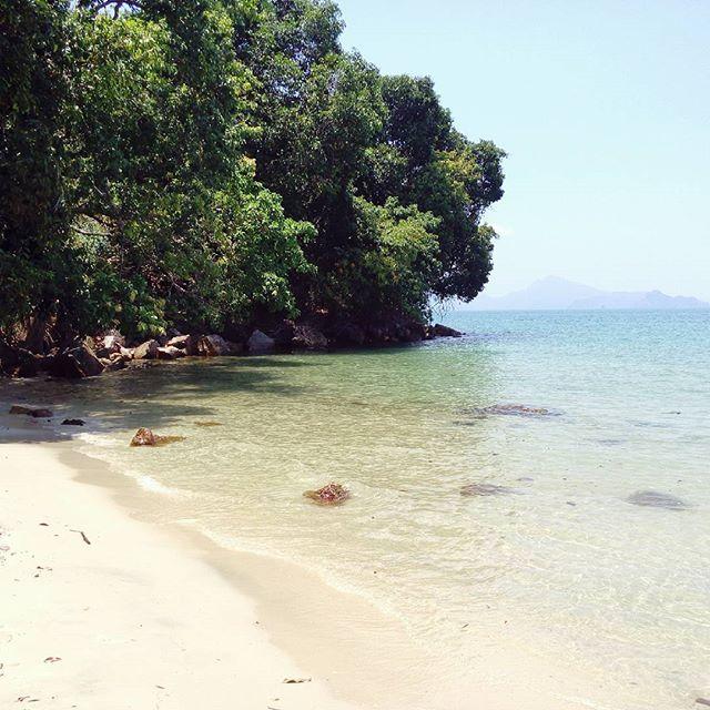 Been charmed!  #malaysia #langkawi #island #beach #travelphotography #travelgram #watercolor #instaltravel #bestoftheday #besthorizon #bbctravel #natureisbeautiful #sunnyday