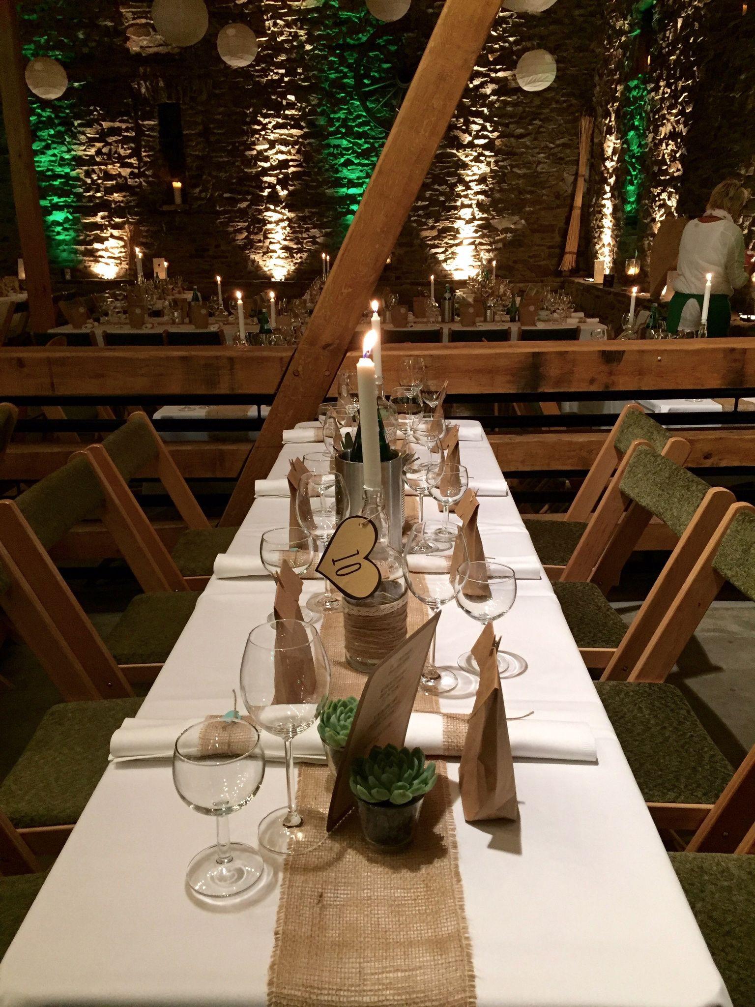 Scheunenhochzeit In Essen Hochzeitslocation Hochzeitstafel Scheunen Hochzeit