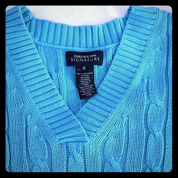 Jones New York Cable Sweater Signature Jones NY Classic Sweater, in Mint Condition Jones New York Sweaters V-Necks