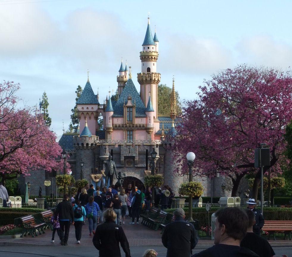 Disneyland castle anaheim ca beautiful places in