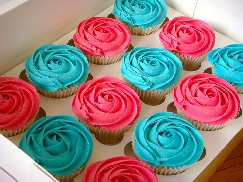 these are some amazing looking cupcakes! FAVE COLORS!