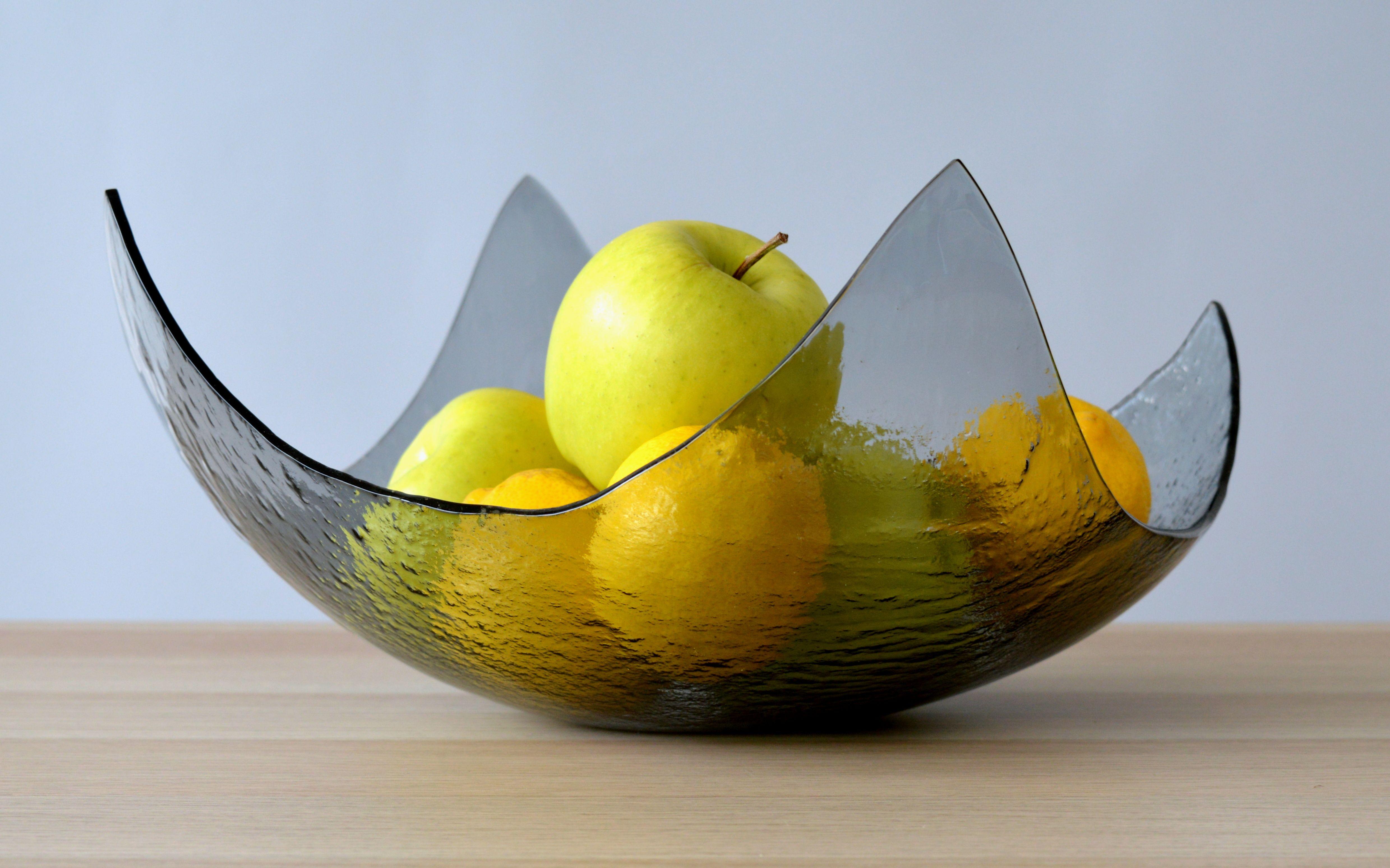 Modern Minimalist Fused Glass Fruit Bowl Centerpiece Salad Etsy Fused Glass Bowl Glass Fruit Bowl Glass Bowl
