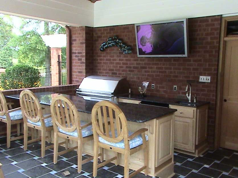 Great outdoor room decoration tips for plans outdoor for Great galley kitchen designs
