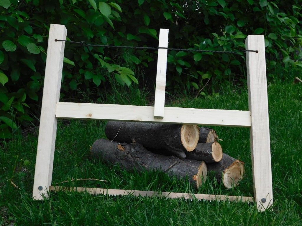 """How To Make A Lightweight, Take-Down Bucksaw You Can Carry Anywhere Image source: Cody Assmann By Cody Assmann – Off the Grid News - """"If you don't have the right tool, make it."""" This advice was given to me by full-time bushcraft instructor Doug Hill a few years…"""