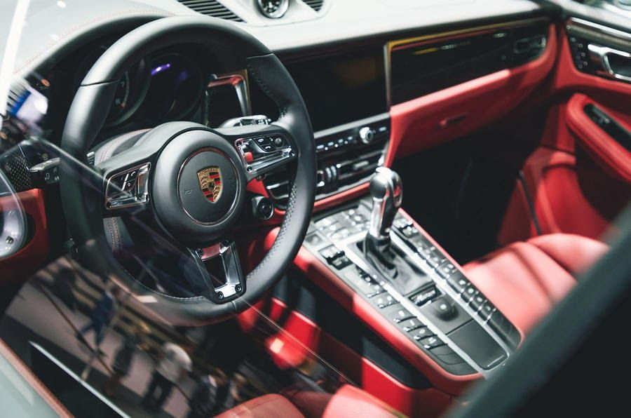 2020 Porsche Macan Interior Besides New Visual Elements There Is A Fine Amount Of New Tech Goodies New 2019 Porsche Macan Turbo Touches Down In Frankfurt Au Di 2020