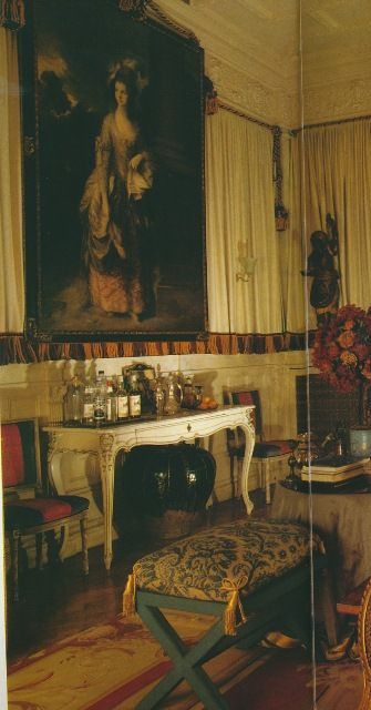 An indian noblewoman   london flat designed by nicholas haslam must find and pin more photos of it also rh pinterest