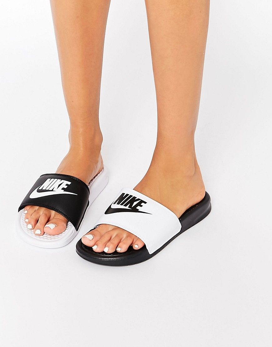 image 1 nike benassi miss match sandales plates. Black Bedroom Furniture Sets. Home Design Ideas